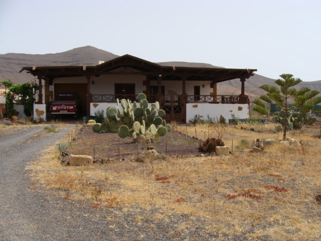 For sale Canarian finca in Tesjuate with agriculture usage