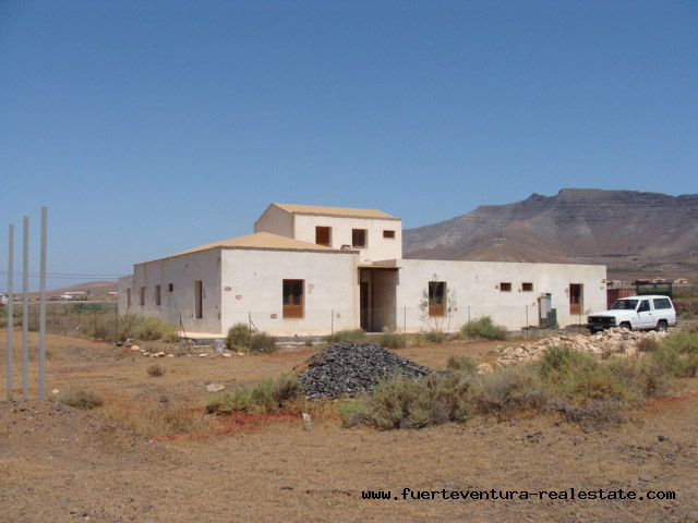 For sale! Handyman beware! Villa in Tesjuate on Fuerteventura!