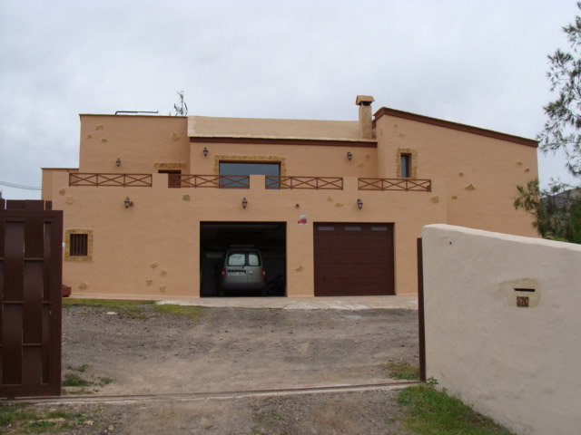 We sell a fantastic villa in rustique canarian style with panorama views in Casillas de Angel