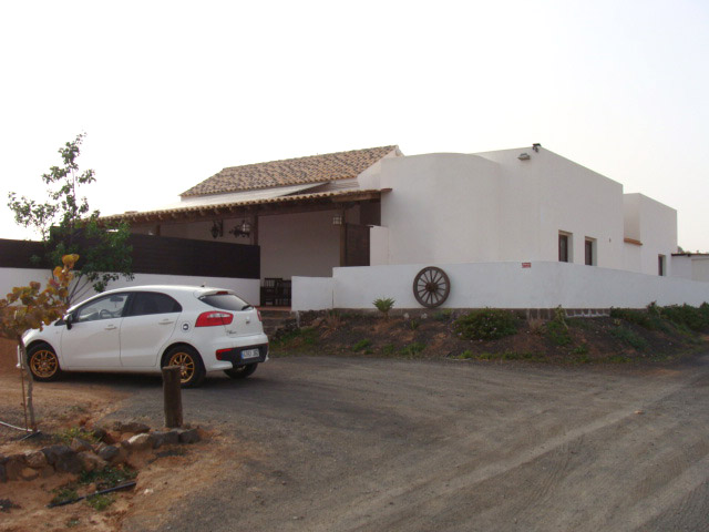 We sell a beautyful rural finca with panorama view at the village of La Asomada at Fuerteventura