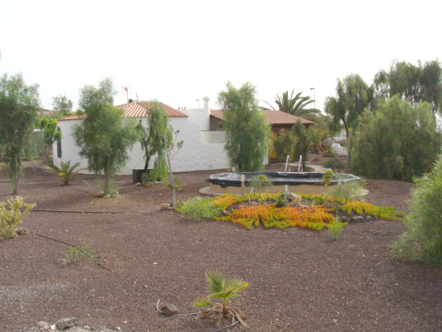 For sale nice Villa with sea view and pool and large garden at Parque Holandes