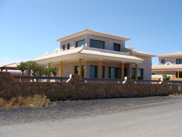 We sell a luxury dream villa in front of the ocean at Las Salinas del Carmen on Fuerteventura