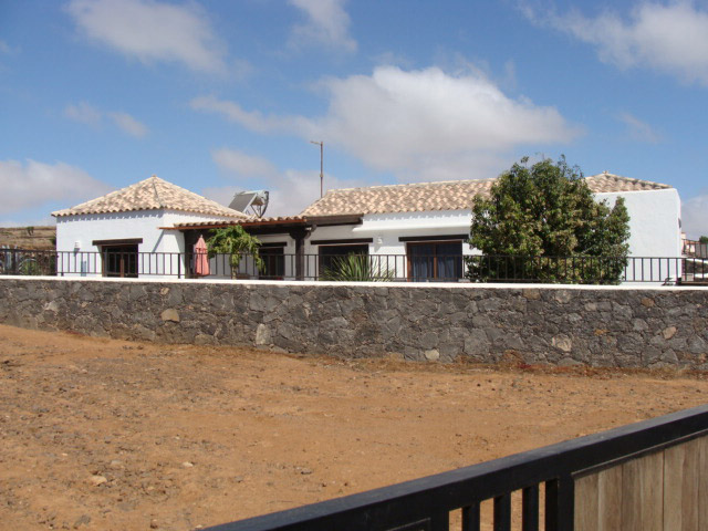 For sale! New built villa with fantastic views in the small village of Villaverde