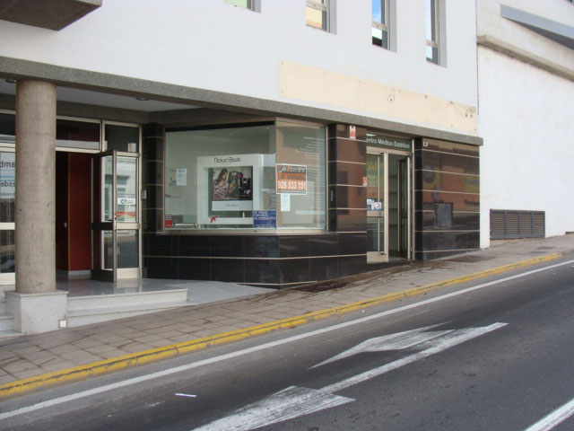 We sell a comercial property at the best area of Puerto del Rosario
