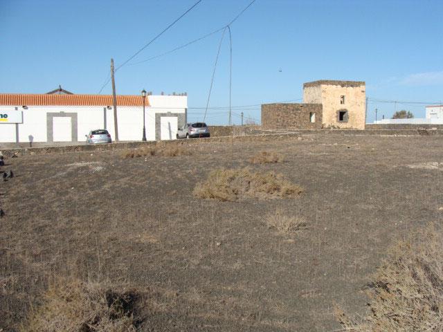 We sell a plot of 1000m2 in Lajares  Fuerteventura