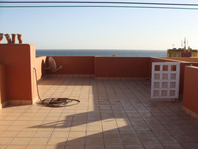 For rent. Beautiful apartment beside the ocean of 2 bedrooms at Puerto Lajas