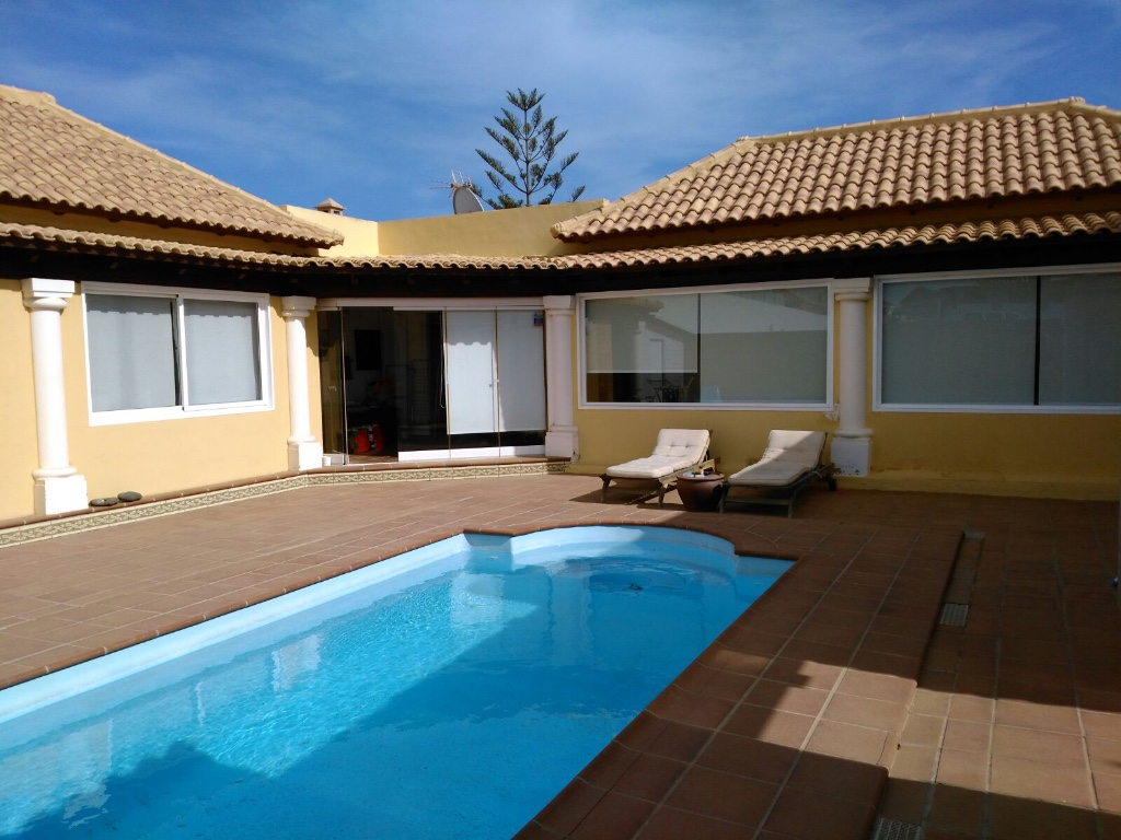 For sale wonderful villa with pool in Corralejo Fuerteventura
