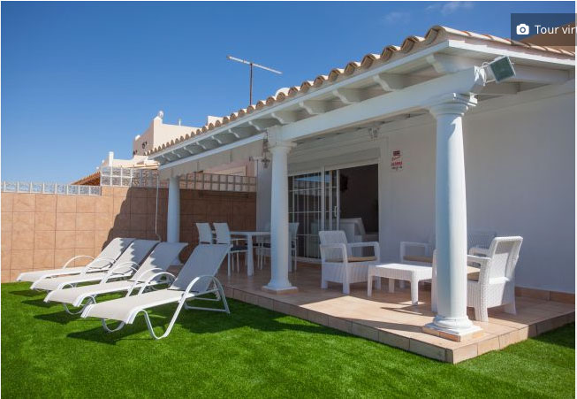 For sale!  A fantastic villa with pool, sea and view to Golf course of Caleta de Fustes