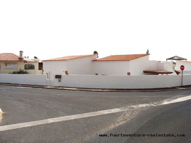 For sale! Detached house with 2 studios in good situation of Costa Calma