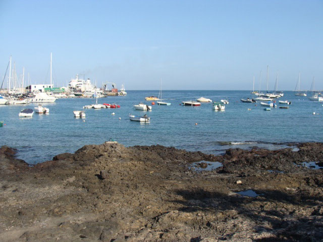 An excellent restaurant facing the sea of Corralejo is being leased!