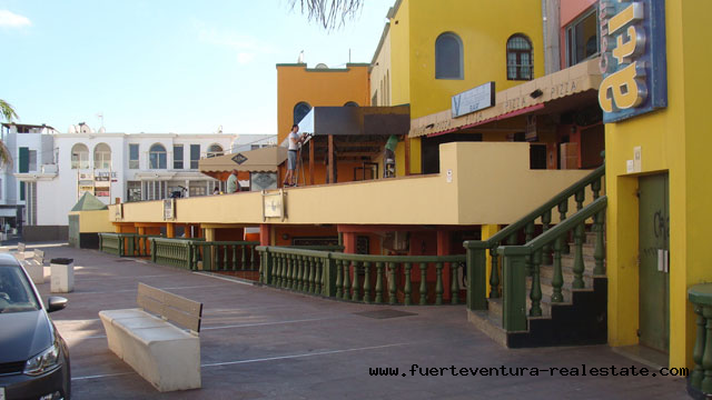 We sell a commercial property with a great location in Corralejo on Fuerteventura