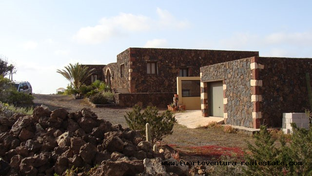 Im Verkauf!  Einmalige Villa mit Meerblick in sehr gute Lage von Villaverde!
