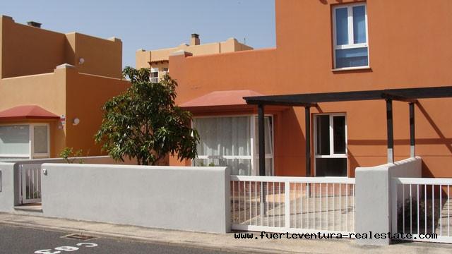 A vendre! Maison mitoyenne dans le complexe Mirador de las Dunas à Corralejo sur Fuerteventura!
