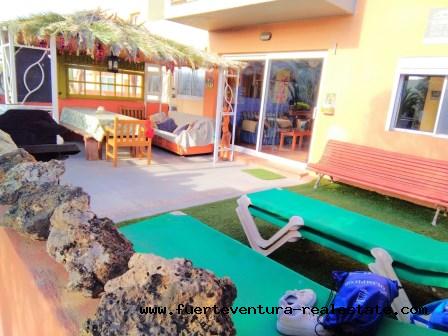 Te koop! Mooi appartement in een rustig wooncomplex met tuinen en zwembad in Corralejo