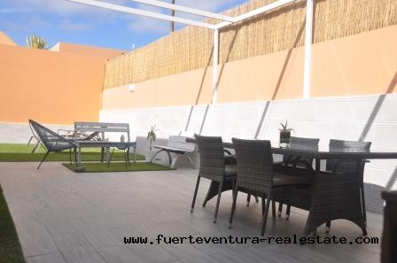 In vendita! Una villa spettacolare nella zona residenziale di Tamaragua, vicino a Corralejo.