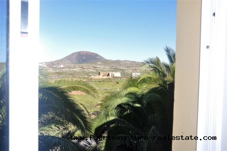 For sale! Nice apartment in the village of La Oliva in a quiet area with stunning mountain views