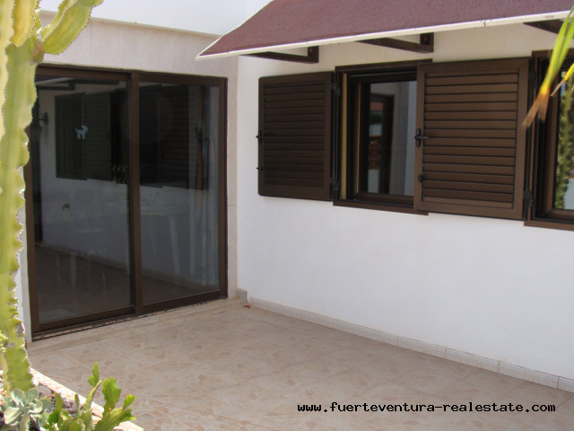 For sale! A house type duplex in Parque Holandes with community pool.