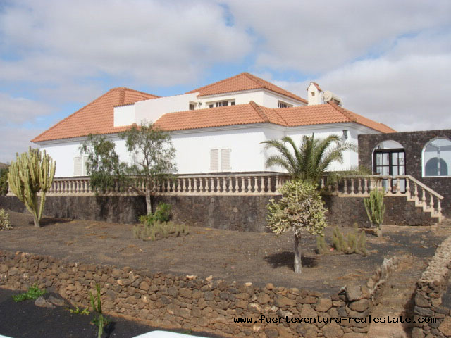 For sale! Cute Villa with amazing location in the village of Villaverde on Fuerteventura