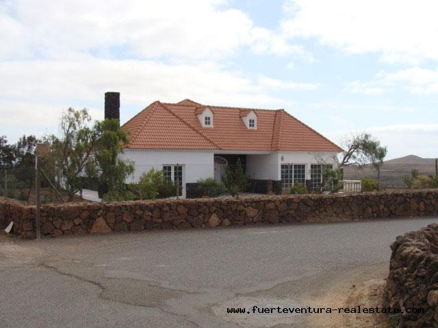 For sale! Cute Villa with amazing location in the village of Villaverde on Fuerteventura