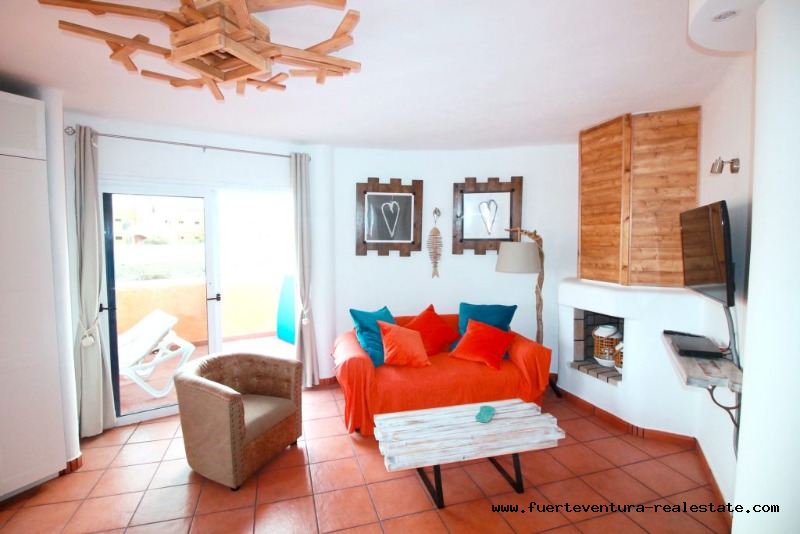 For sale! A nice apartment in Corralejo located in a gated community with communal pool.