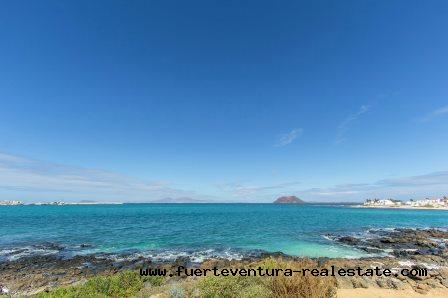 Te koop! Spectaculaire villa aan zee in Corralejo op Fuerteventura!