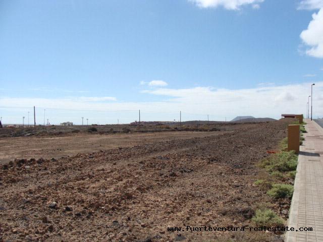 A vendre!  Terrain urbain avec vue sur la mer à Corralejo, Fuerteventura
