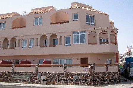 A vendre! Un bâtiment avec 12 appartements dans le endroit du Bristol à Corralejo, Fuerteventura