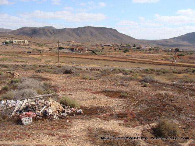 For sale! Urban building land, each with 1.000 sqm of plots in Triquivijate, Fuerteventura