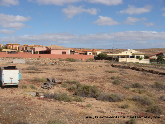 For sale! Urban building land, each with 1.000 sqm of plots in Triquivijate, Fuerteventura