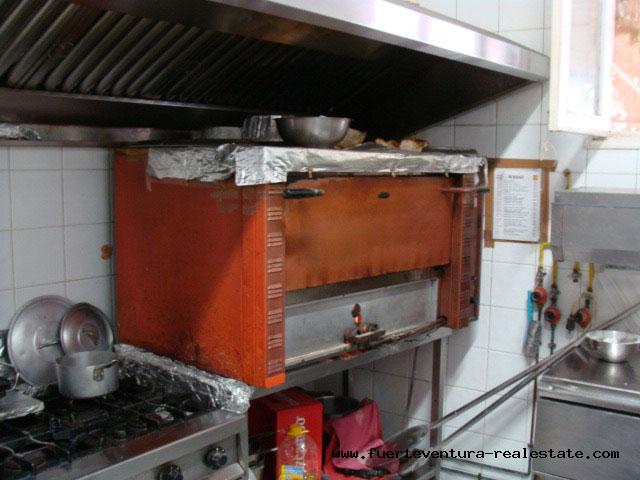In leasing! Una pizzeria in una posizione privilegiata e molto ben stabilita nel villaggio di La Oliva