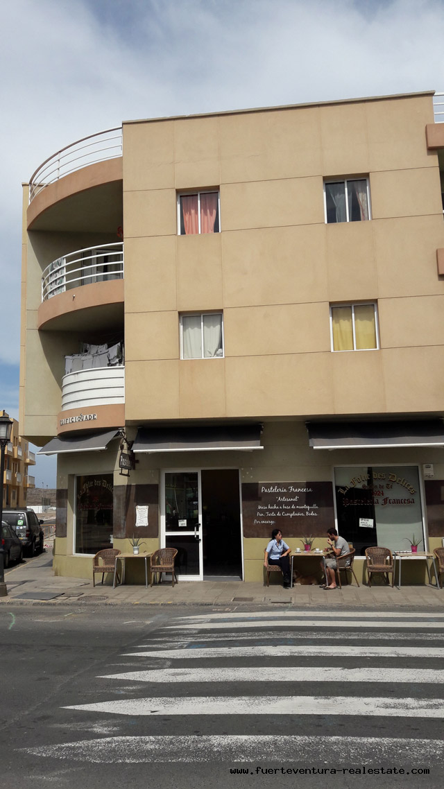 The best investment! For sale a building with 8 apartments with tourist license, located in a good location of Corralejo