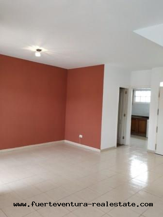Im Verkauf! Sehr schönes Einfamilienhaus in der Wohnsiedlung Las Palmeras im Parque Holandes, Fuerteventura