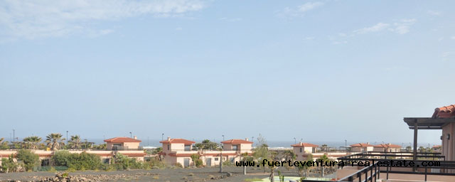 For sale! Nice Chalet with beautiful sea views in the residential Origo Mare at Costa de Lajares