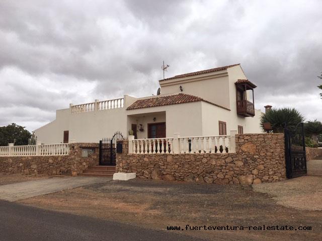 Im verkauf! Tolles Haus im Dorf Los Estancos mit herrlichem Blick.