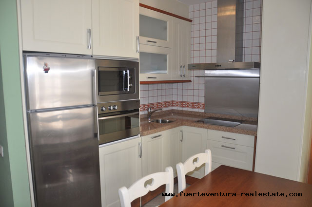 For sale! Nice apartment in the center of the street Avda. Nuestra Señora del Carmen, in Corralejo.