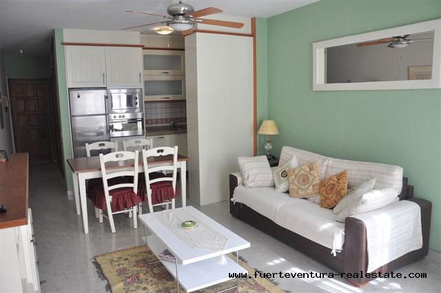 A vendre! Bel appartement situé dans le centre de la Rue Avda Nuestra Señora del Carmen, à Corralejo.