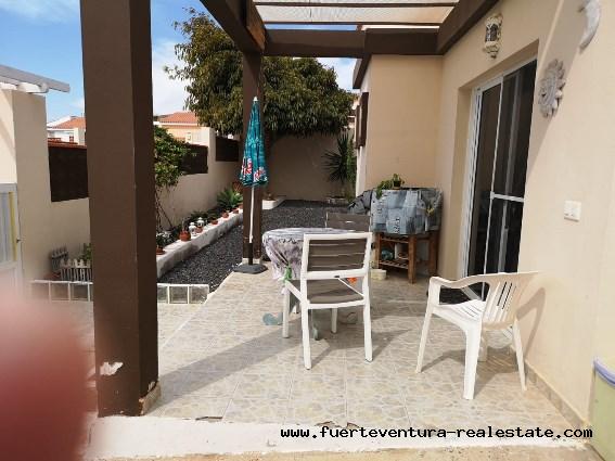 En vente! Belle villa avec piscine à Parque Holandes