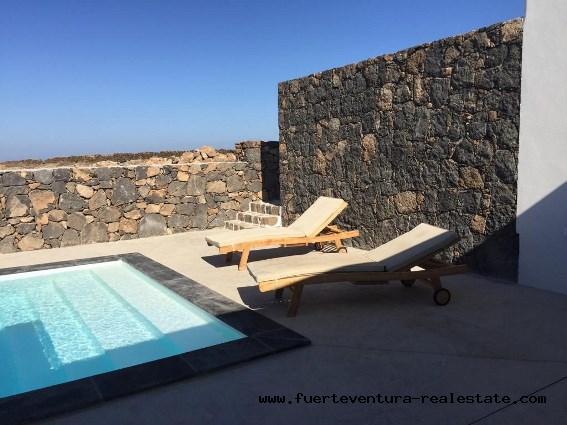 Im Verkauf! Schöne Villa mit Pool im Dorf Lajares