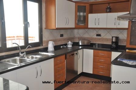 Zu verkaufen! Geräumige Maisonette mit 4 Schlafzimmern in der Region Bristol in Corralejo