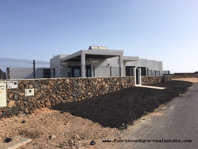 For sale! New built modern villas with pool in El Roque village near El Cotillo!