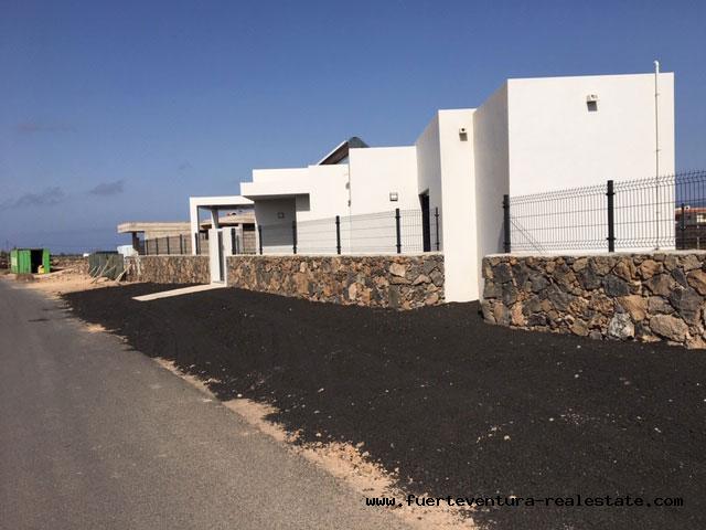 For sale! New built modern villas with pool in El Roque village near El Cotillo!