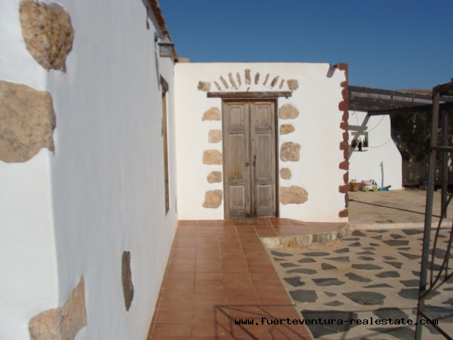 For sale! Nice typical canarian house at the village of Ampuyenta