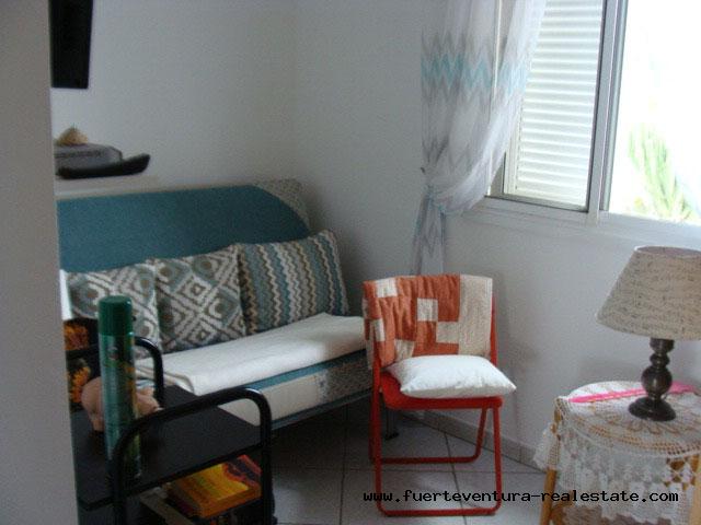 Wir verkaufen eine schöne Villa mit Gäste Einliegerwohnung in El Roque mit Meerblick