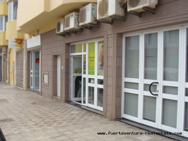 Vendiamo un posto con uso commerciale in buona posizione a Puerto del Rosario