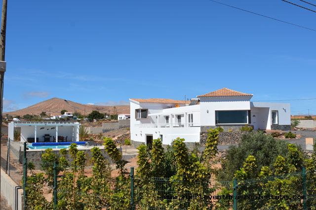 For sale! A modern villa with pool in La Asomada