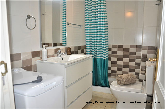 Opportunity!! Apartment for sale located in the center of Corralejo, just 1 minute from the beach of Bristol