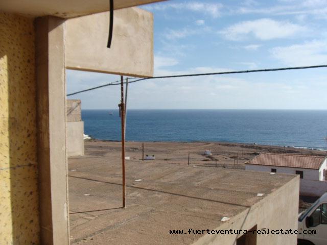 À vendre! Villa de construction inachevée sur la Playa Blanca à Puerto del Rosario