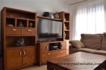 Im Verkauf! Zentrale 2 Schlafzimmerwohnung gelegen in der Strasse Pizarro  in Corralejo