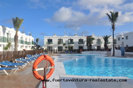 A vendre! Appartement avec vue sur la piscine dans le complexe résidentiel San Valentin à Corralejo.