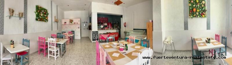 Zu Verpachten! Eine Pizzeria in privilegierter Lage und sehr gut Etabliert in dem Ort La Oliva